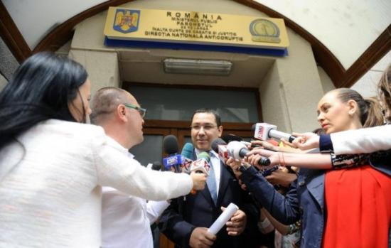 Újabb ügyben gyanúsítják Victor Pontát