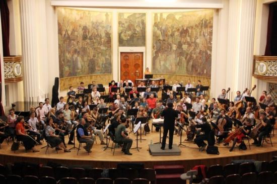Új karmester a kolozsvári filharmónia élén