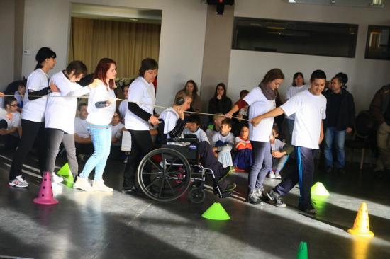 Paralimpiai Játékok olimpikonnal a zsűriben