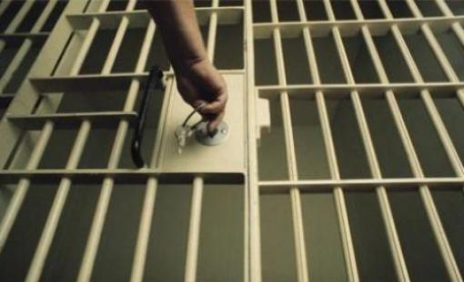 Felakasztva találtak meg egy elítéltet az aradi börtönben