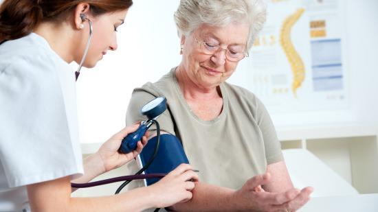 Egymilliárdnál többen küzdenek magas vérnyomással