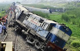 Indiai vonatszerencsétlenség: legalább 60 áldozat