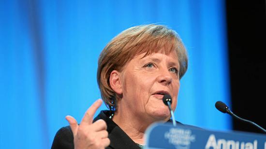 Merkel bejelentette: folytatni akarja