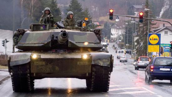 Amerikai helikopterek és páncélosok érkeznek jövőre Romániába