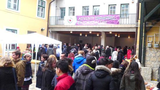 Emlékezéssel egybekötött adventi ünnepség és sokadalom