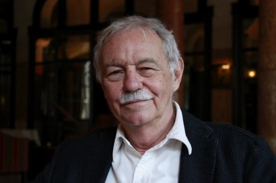 Eduardo Mendoza spanyol író a Cervantes-díj idei kitüntetettje