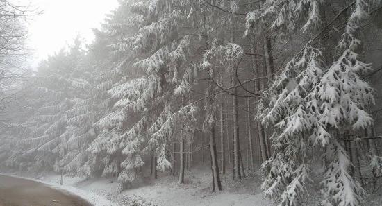 Havazás, szél országszerte szombat hajnalig
