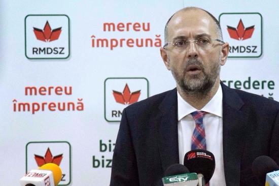 Kelemen Hunor a kulturális miniszter lemondását, illetve leváltását követeli Csíksomlyó miatt