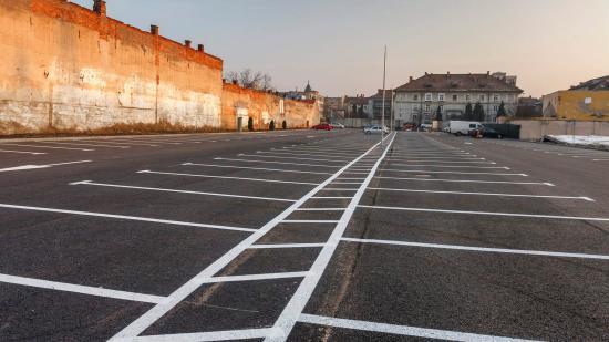 Új parkoló a belvárosban: 229 hely az autóknak