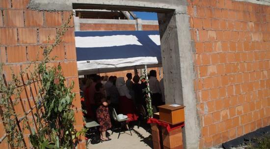 Templomban a sátor – konfirmáció Szászfenesen