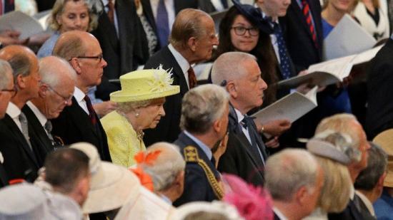 II. Erzsébet királynő nem vett részt a a karácsonyi istentiszteleten