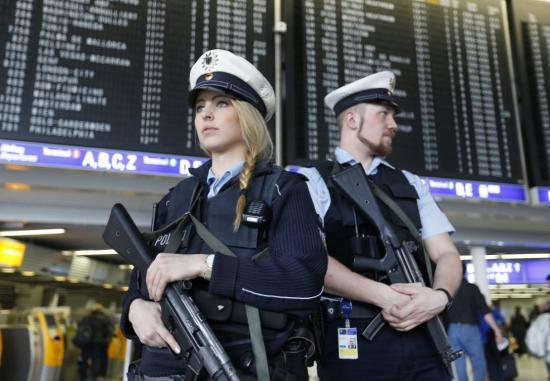 Német államfő: a terror miatt ez az ünnep más, mint az eddigiek