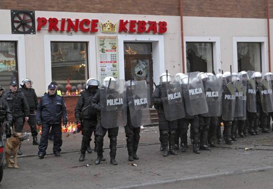 Vádat emeltek a Lengyelországban letartóztatott tunéziai állampolgár ellen