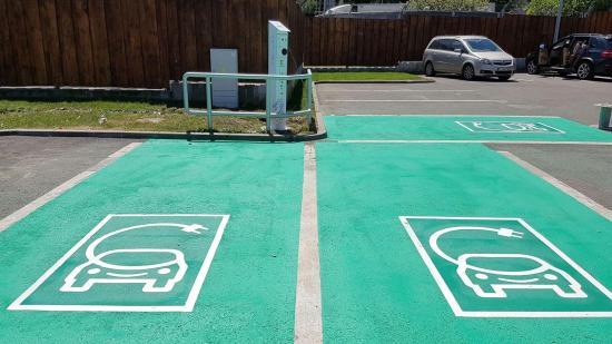 Tízezer eurós állami támogatás elektromos autók vásárlására?