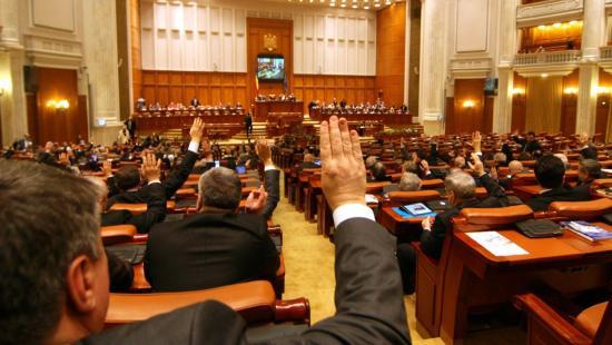 Újabb rendkívüli ülésszakra hívták össze a parlamentet
