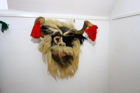 Maszkok és rituális öltözékek a Néprajzi Múzeumnál