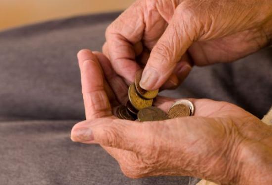 Johannis kihirdette a nyugdíjnövelő törvényt