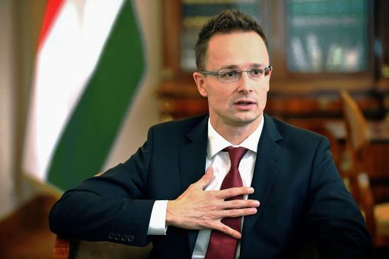 Szijjártó Péter: Schengen nem halhat meg