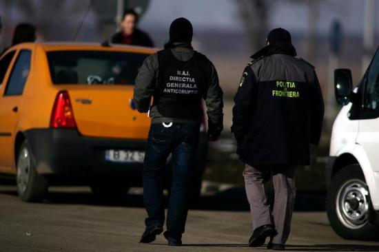 Korrupció gyanújával őrizetbe vettek több, a magyar-román határon dolgozó román határrendészt