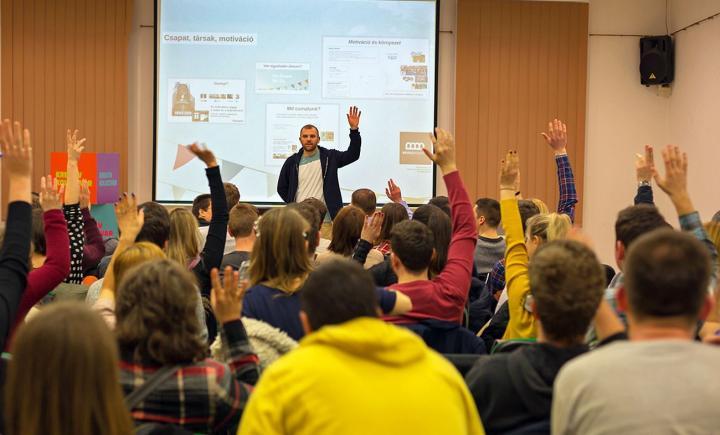 Kreatív Kolozsvár - Tehetségfejlesztő programok vállalkozó kedvű fiataloknak