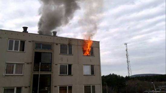 Beszterce: lakásában kiütött tűzben vesztette életét egy 50 éves férfi