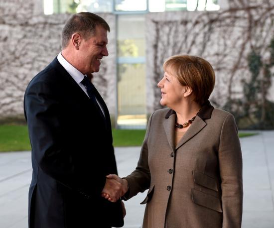 Merkel aggodalmát fejezte ki a román korrupcióellenes harcot gyengítő kezdeményezések miatt