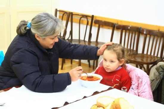 Áprilisig biztos kapnak meleg ebédet a hajléktalanok