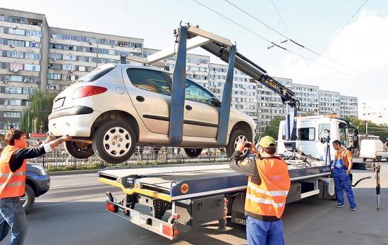 Ismét elszállíthatják a tilosban parkoló gépkocsikat