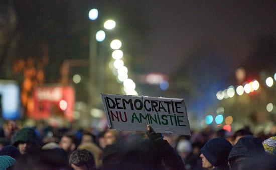 Folytatódnak a tiltakozások a Dragnea-rendelet ellen (Frissítve)