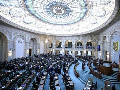 Btk.-módosítás - Elfogadta a szenátus a vitatott sürgősségi rendelet hatálytalanítását