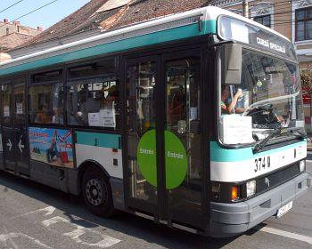 VIDEÓINTERJÚ - Miért fontos, hogy a buszoknak külön közlekedési sávja legyen?