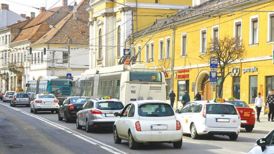 Különsáv a közszállításnak: káosz és gyorsabb utaskiszolgálás