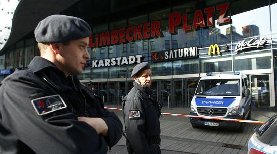 Terrorfenyegetés miatt bezártak egy esseni bevásárlóközpontot