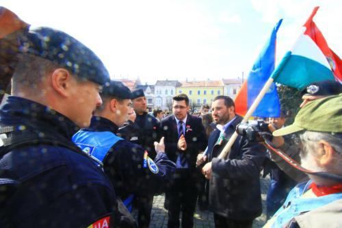 Március 15. Kolozsváron: Soós Sándort is megbüntették: folytatódik a kolozsvári zászló-ügy