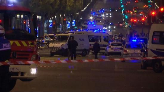 Lövöldözés Párizsban: egy rendőr és egyik támadó meghalt, terrorcselekményt gyanítanak