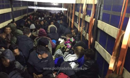 Több mint száz menedékkérő próbált átjutni Romániából Magyarországra