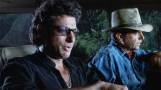 Jeff Goldblum visszatér a dínóvilágba a ...