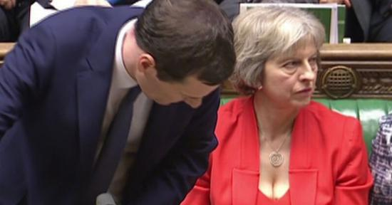 Theresa May: viszonossági alapon kell megállapodni az EU-állampolgárok jogosultságairól