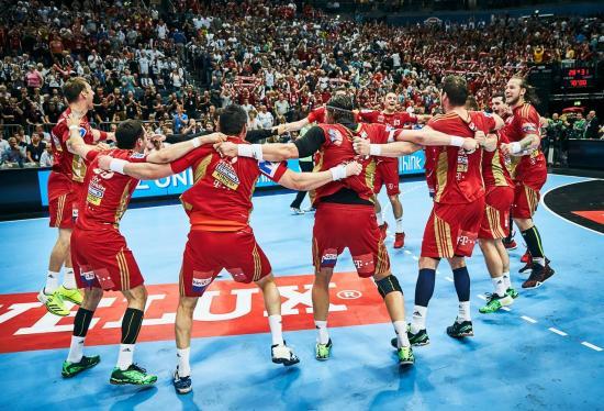 Kettős győzelemmel ismét négyes döntőben a Veszprém
