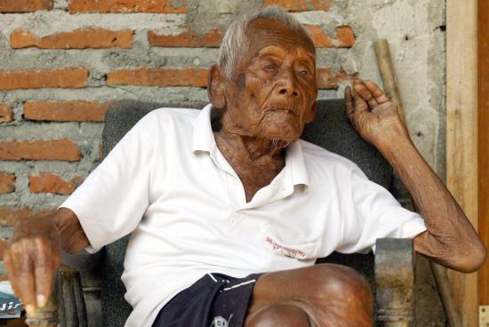 Meghalt a világ legöregebb, 146 éves embere