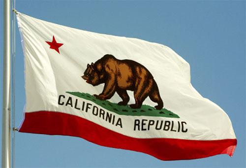 Kaliforniában feloldhatják a kommunisták kormányzati foglalkoztatásának tilalmát
