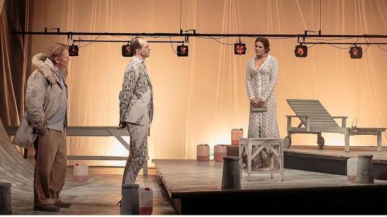 Kolozsváron vendégszerepel a Vígszínház