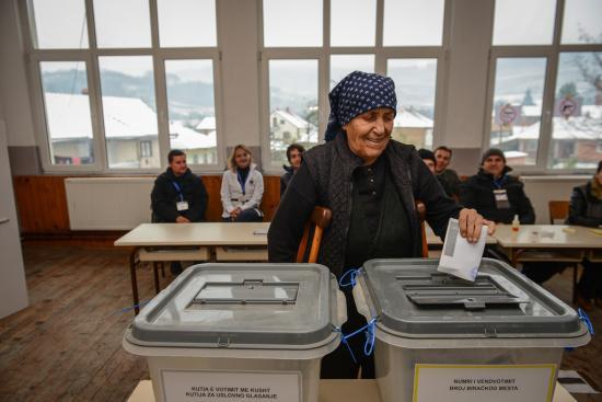 Huszonhat párt és koalíció indul a koszovói előrehozott parlamenti választáson