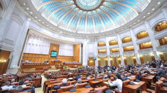 Benyújtotta az RMDSZ a nyelvi jogokat bővítő javaslatokat