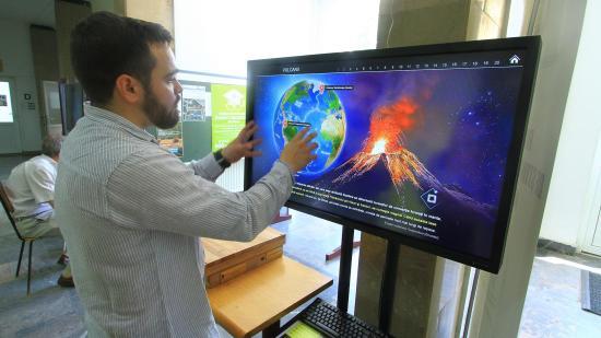 Korszerű, interaktív eszközökkel természeti csapásokról