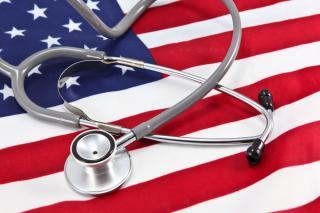 Becslések szerint 23 millió amerikai maradhat egészségbiztosítás nélkül 2026-ig