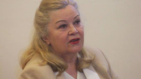 Négykezes az örök Anikóval – Kolozsvárra hozta életkönyvét a filmcsillag