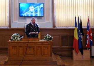 Díszdoktorrá avatták Károly herceget Kolozsváron