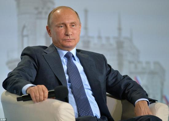 Putyin egykoron felvetette Clintonnak Oroszország NATO-tagságának lehetőségét