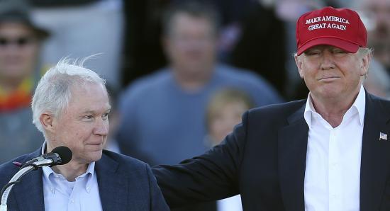 Trump állítólag elégedetlen az igazságügyi miniszter munkájával, a Fehér Ház nem kommentál